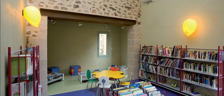 Bibliothèque à Bujaleuf (87)_8