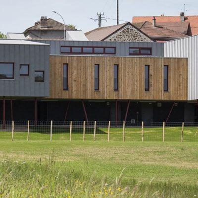 Ecole maternelle à Chateauneuf la Forêt (87)
